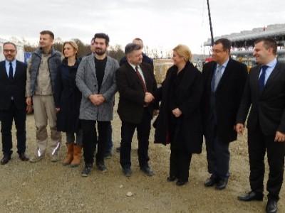 Grabar-Kitarović posjetila gradilište GE u Velikoj Cigleni